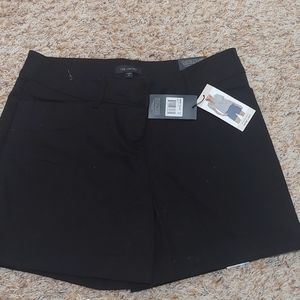 The Limited Black Tailored Short. Size 10
